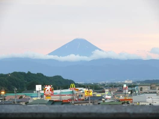 サンコーポラス藤井住宅のベランダから見える富士山